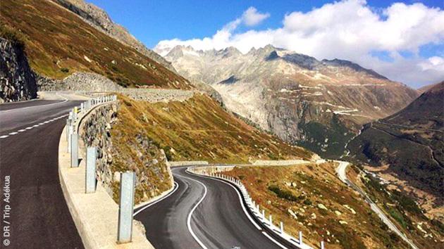 Circuit cycliste sur les pentes suisses, avec ascension de cols mythiques : Sanetsch, Saint Gotthard, Umbrail, Stelvio...