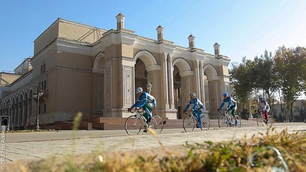 Circuit vélo à la découverte des monuments historiques en Ouzbekistan