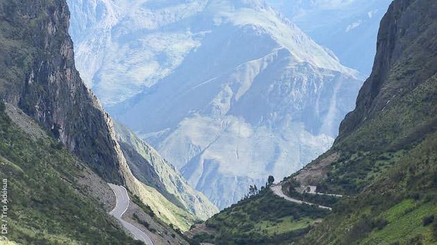 Dans les cordillère des Andes, découvrez des paysages superbes en vélo sur les routes du Pérou