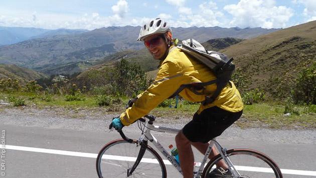 Circuit en vélo sur les routes péruviennes, dans les Andes