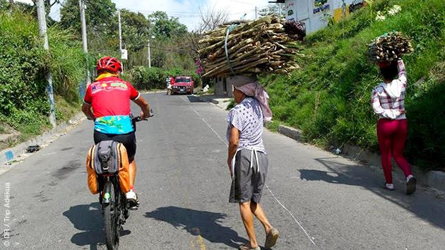 Un itinéraire à vélo sur les routes du Salvador pour vivre des moments intenses, à la découverte des cultures locales