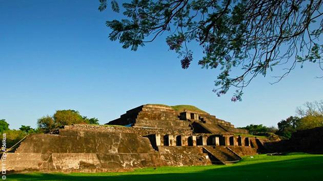 Un parcours à vélo sur la côte et dans les montagnes du Salvador pour visiter des ruines mayas