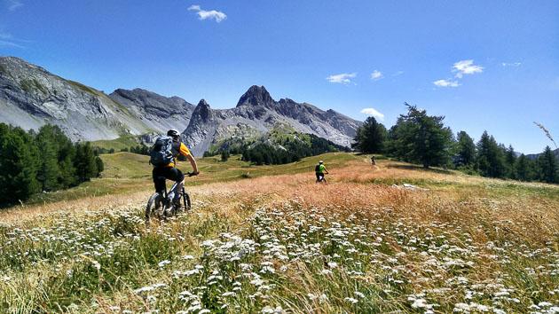 Vos vacances avec circuits VTTAE dans les Hautes-Alpes