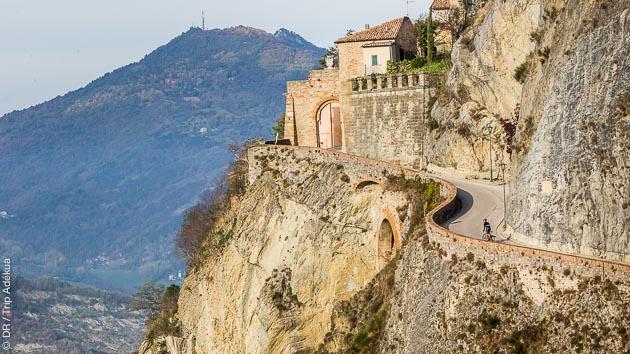 Sur les routes de Romagne, vous découvrez les circuits vélo de Pantani avec hébergement en hôtel 3 étoiles