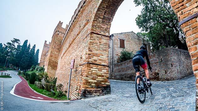 A la découverte des villages de l'arrière pays de Romagne pendant vos sorties vélo en Italie