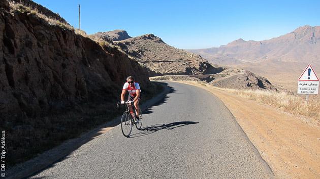 Après le bord de mer au Maroc, vous prenez le vélo pour monter dans l'Atlas