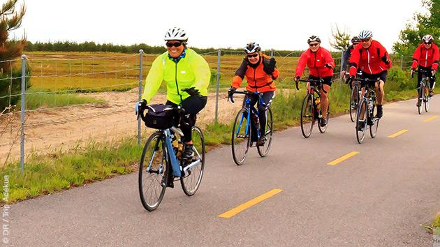 Empruntez les pistes cyclables dans la région du Lac Saint Jean au Québec