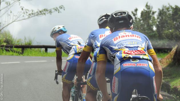 Circuit vélo avec Grande et Basse terres sur les routes de Guadeloupe
