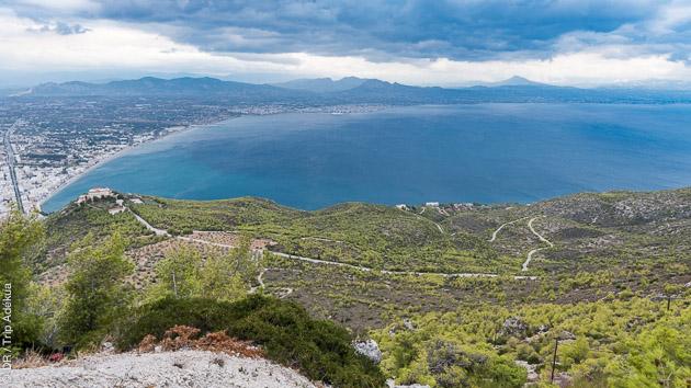 Basé sur les bords de la mer ionienne, vous êtes guidé à vélo sur les routes autour de Loutraki par un ancien cycliste professionnel