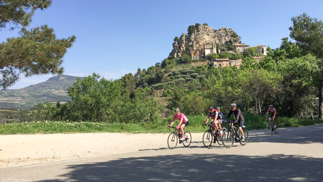 Un séjour cyclo unique autour du Mont Ventoux