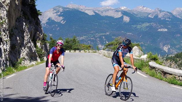 Avec Elles font du vélo, parcourez les magnifiques paysages autour du Mont Ventoux