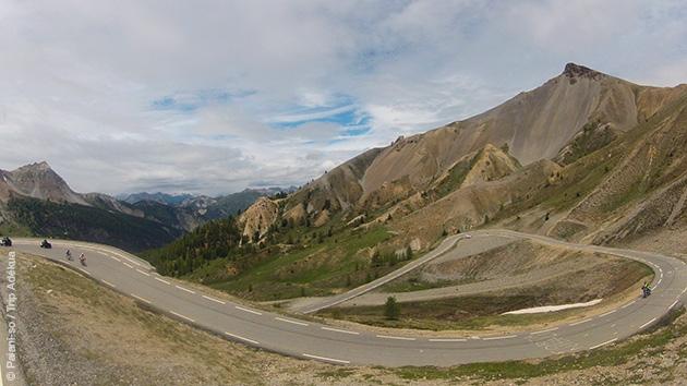Un parcours cyclosportif le temps d'un week end dans les Alpes, avec un logement en hôtel 3 étoiles