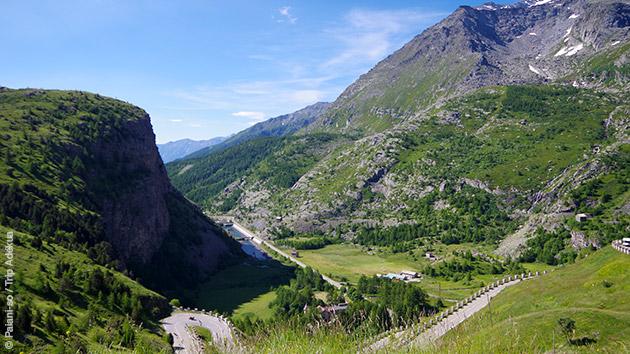 Un ancien cycliste pro vous accompagne sur les routes de montagne autour du Lac de Serre Ponçon